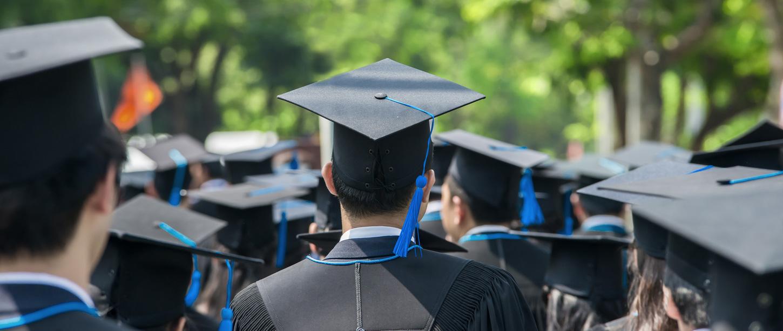 graduation_380248333_web
